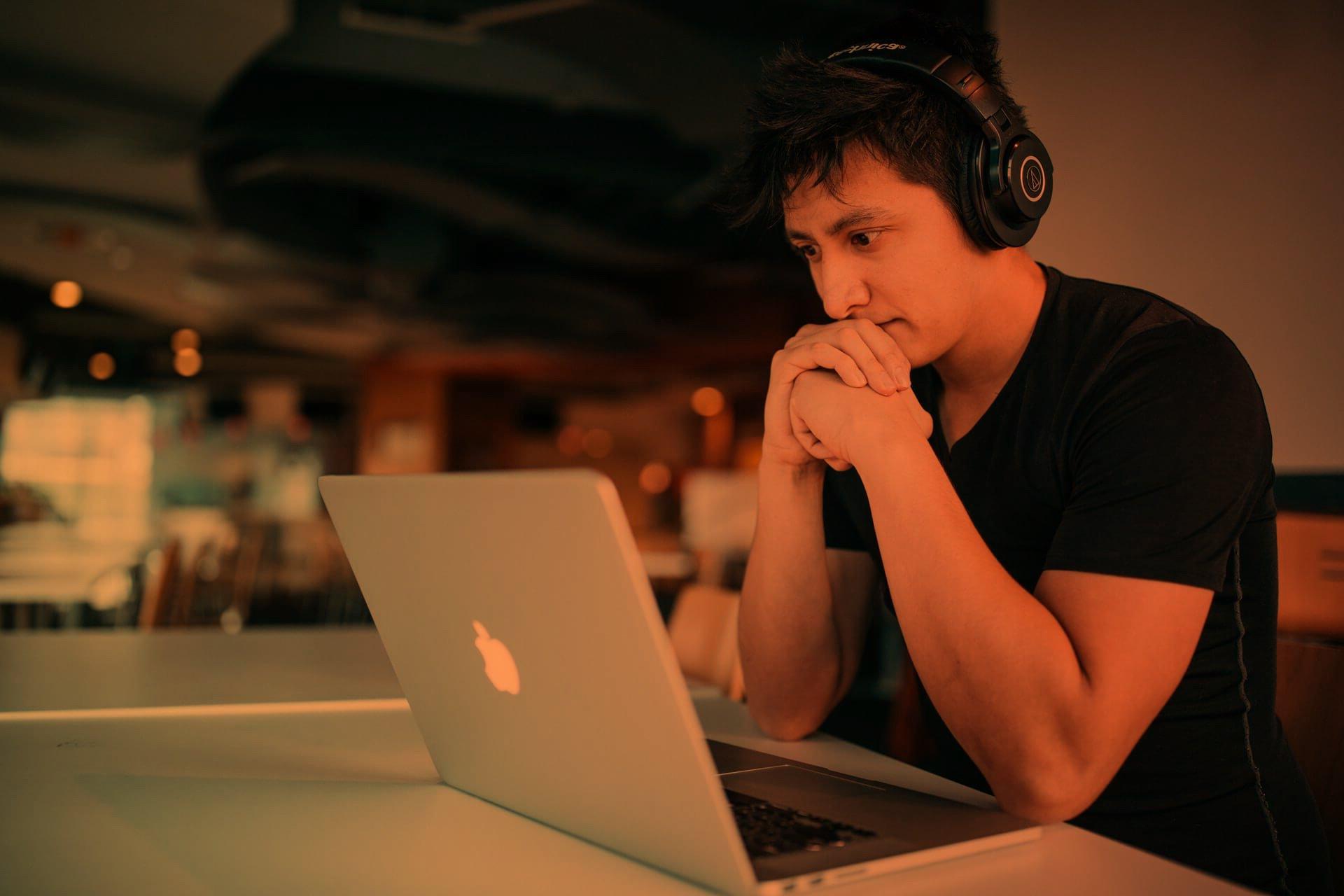 4 reasons why you should have a digital student ambassador program